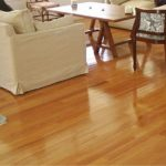 como limpiar un piso de madera