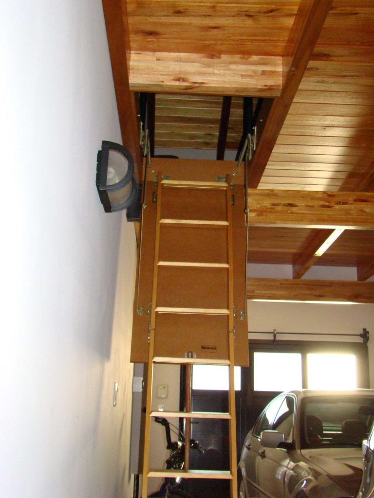 escalera para altillos plegable